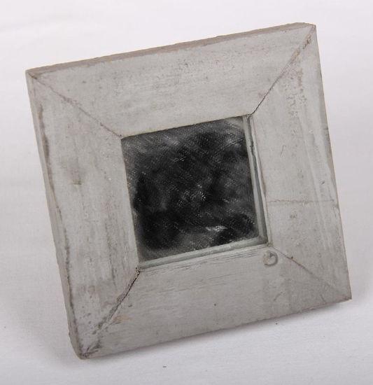 Afbeelding van Klein spiegeltje in houten lijst