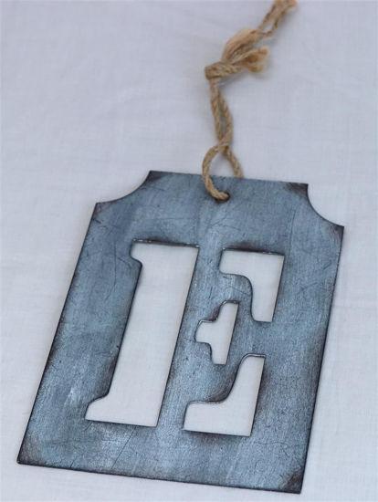 Afbeelding van Letter E van zink